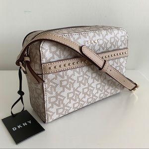 🆕❣️Host Pick❣️Dkny Studded Crossbody Bag